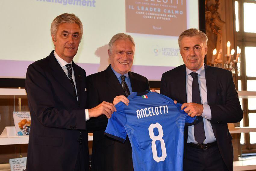 """Ancelotti Erhält Den """"Premio Nationale Letteratura Del Calcio Ancelotti Erhält Den """"Premio Nationale Letteratura Del Calcio Antonio Ghirelli"""""""""""